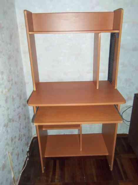 Venta de escritorio para computadora y mesa para tv for Muebles madera montevideo