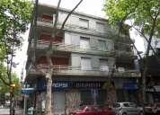 Alquilo apartamento al frente en el centro