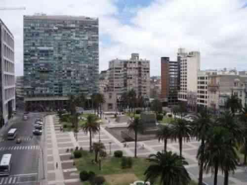 Traductores Públicos Asociados. Estudio de traducciones públicas del Centro de Montevideo.
