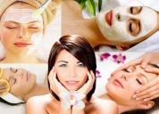 Cosmetóloga tratamientos faciales