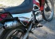 Excelente moto yumbo