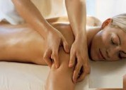 Hombre de 48 brinda masajes para mujeres, seriedad
