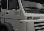 Excelente camión volkswagen 24.310 tractor, contactarse.