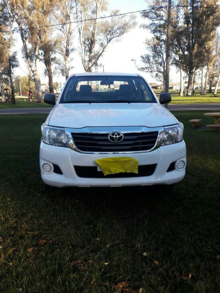 Excelente Toyota Hilux Dx
