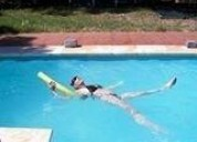 Alquiler temporada chalet con piscina.
