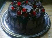 Todo en tortas postres mesa de dulces