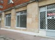 Local frente embajada de eeuu.