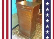 Vendes tus muebles?? compro antiguos sanos.