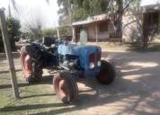 Excelente tractor ford desta cars