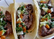 Canilla libre de pizzas y tacos mexicanos para 50