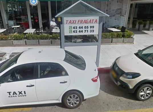 Parada de taxi en Gorlero con taxi toyota etios